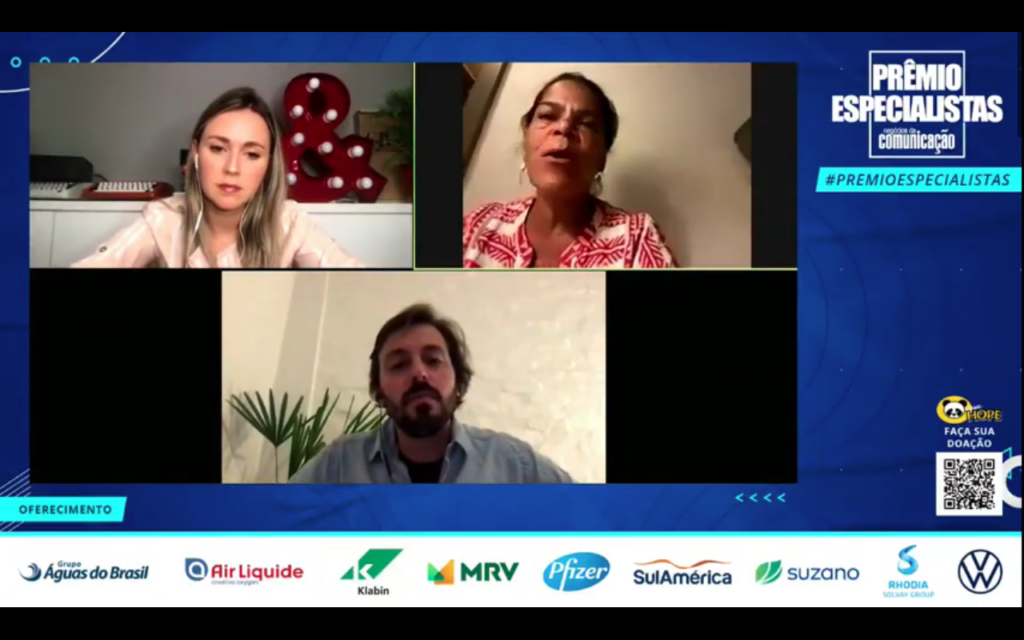Daniela Falcão, ex-diretora de redação nas Edições Globo Condé Nast, Felipe Gil, diretor de conteúdo da Revista Trip, e Andressa Simonini, editora-executiva da Pais&Filhos, falaram sobre a transição das revistas segmentadas para a cobertura digital
