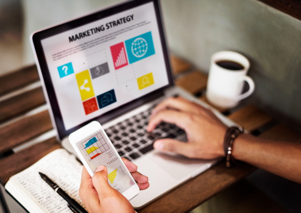 marketing-strategy-connting-digital-devices-concept-1